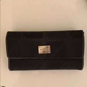 Nine and Co. By Ninewest wallet